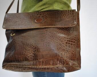 Vintage JEAN MICHEL leather messenger big size bag .....(181)