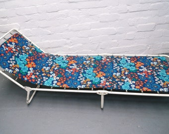 Vintage sun lounger