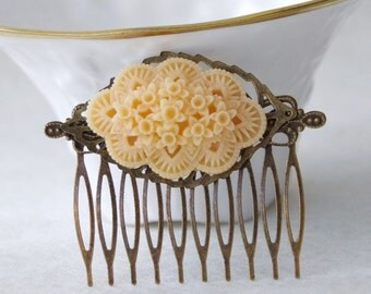 50% OFF Peach Flower Hair Clip / Shabby Chic Comb  / Wedding Flower Hair Clip / Upcycled Wedding Hair Comb Woodland Fascinator / Hair Piece