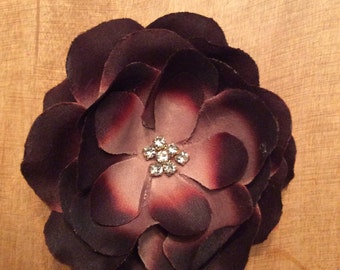 Classy hair flower with center stone