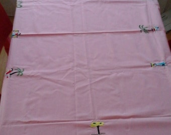 vintage 10 piece table cloth napkins and center piece hot pad