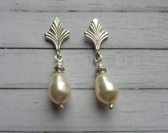 Art Deco Style Pearl Sterling Silver Stud Earrings.  Vintage Style. Hollywood Glamour