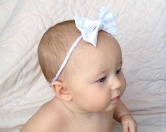 White Hair Bow . Princess bow. White floral bow . Handmade hair bow . Girls hair accessories. Baby hair accessories