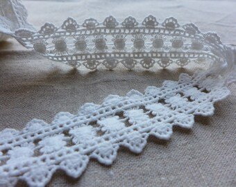 Adorable Lace White Cotton Lace Ribbon Trim for Gift Wrap, Cakes, Home Decor