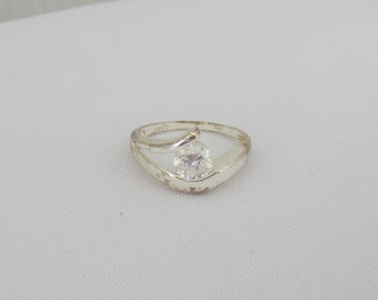 Vintage Sterling Silver CZ Ladies Ring Size 8