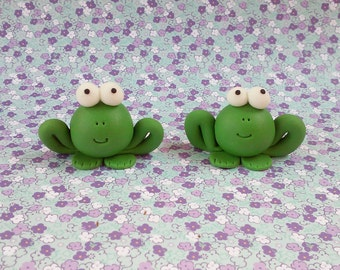 12 frogs fondant toppers