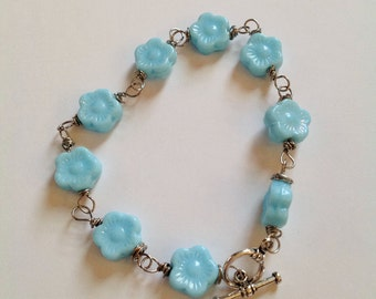 Powder blue flower beaded bracelet