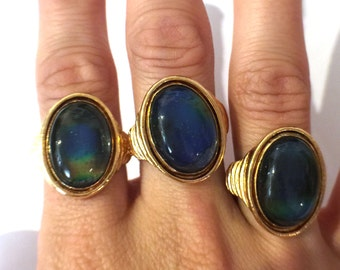 Vintage 70's Gold Plated Mood Ring - J011