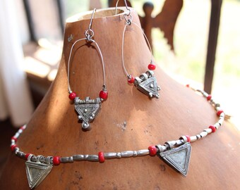 Ethiopian Necklace with beautiful Silverbeads and venecian glass beads, with matching earrings