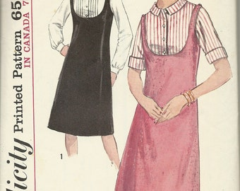 Simplicity 5717    Teens and Juniors Jumper and Blouse    size 12 T