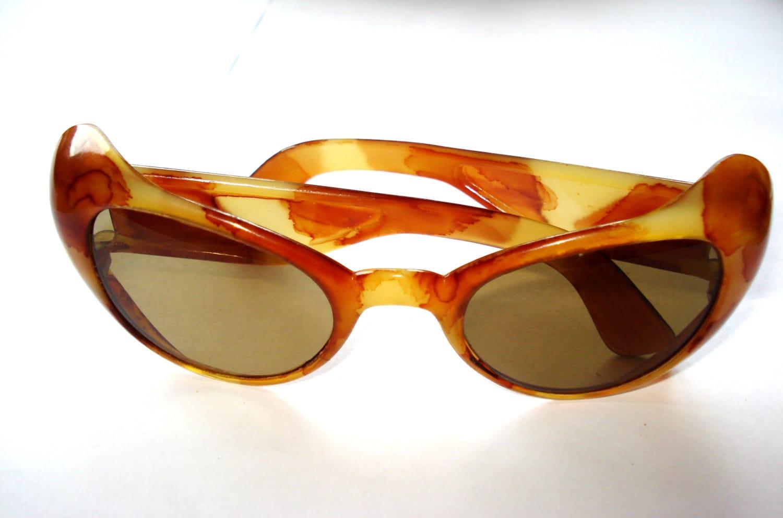 Vintage Retro Sunglasses Vintage 1960s Style Brown Plastic