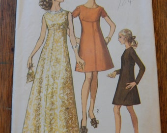 Simplicity 8498 Vintage dress pattern with interesting front seams Size 12