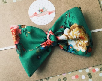 kelly green floral bow