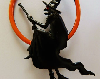 JJ Jonette Halloween Witch Riding Broomstick Brooch Pin
