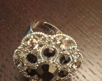 Beautiful Vintage Style Ring, one size fits all