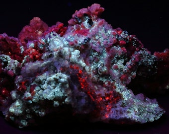 Purple and Zoned Fluorescent Cubic Fluorite,  Clear Fluorescent Calcite, And Quartz With Fluorescent Yellow Barite Inclusions