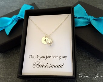 Set of 6 bridesmaids necklaces, personalized bridesmaid jewellry, pearl bridesmaid gift, sterling silver disc initial necklace