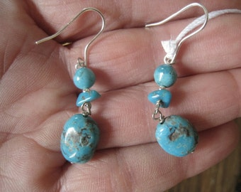 Sterling Silver Turquoise Stones Dangle Earring (212)