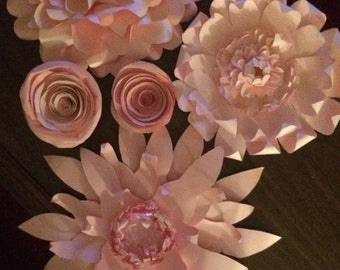 Pretty Giant pink paper flower assortment