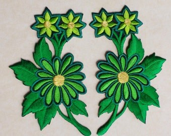 Green flowers applique set of 2