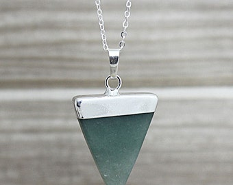 Green Aventurine Triangle Pendant Necklace // Silver Crystal Quartz Point Pendant / Aventurine Geometric Pendant Necklace/ Layering D2F5_02