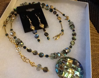 Beautiful Abalone Necklace with Matching Earrings