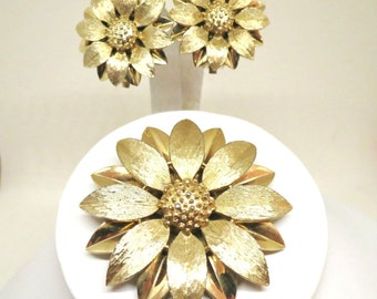 Floral Jewelry Set - Vintage, Sarah Coventry Signed, Gold Tone, Brooch and Earrings Set