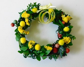 Wreath for Spring or Summer dollhouse miniature 1/12 scale