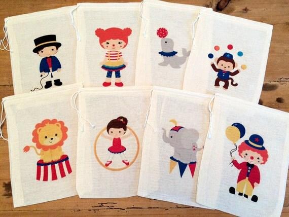 Circus geschenk partij gunst zakken. Set van 8-4 x 6 5 x 7 6 x 8 7 x 9 7 x 11 koord verjaardag geschenk mand zakken gepersonaliseerd