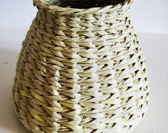 MAKKIREQU newspaper basket colorful upcykled design recykled paper basket makkirequ eco