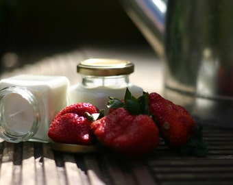 Soy strawberry candles