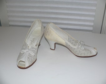 1940's Natualizer Peep Toe Shoes,  White Mesh Summer High Heels - Size 7 N