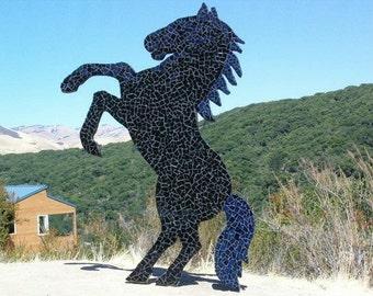 Outdoor horse sculpture, horse sculpturs, outdoor sculpture, horse sculpture, outdoor horse statues, outdoor sculptures, yard statues