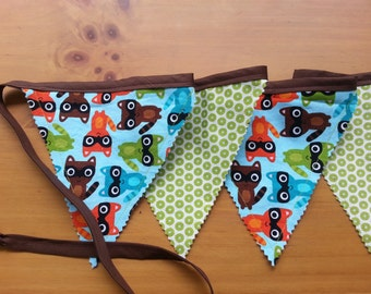 "Banner/Bunting, Fun Raccoons and dots, ""Woodland Pals"" by Robert Kaufman, Party, Room decor, Camping, Photo Prop"