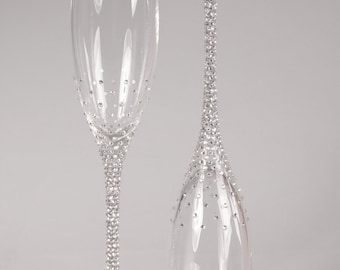 Champagne Wedding Flutes, Set of 2, Wedding glasses, Bride and Groom, Swarovski Crystals, Brilliant Wedding, champagne glasses, hand painted