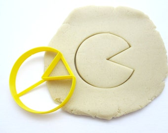 Pac-Man Cookie Cutters/Multi-Size/Regular or Pixelated/Set of 2