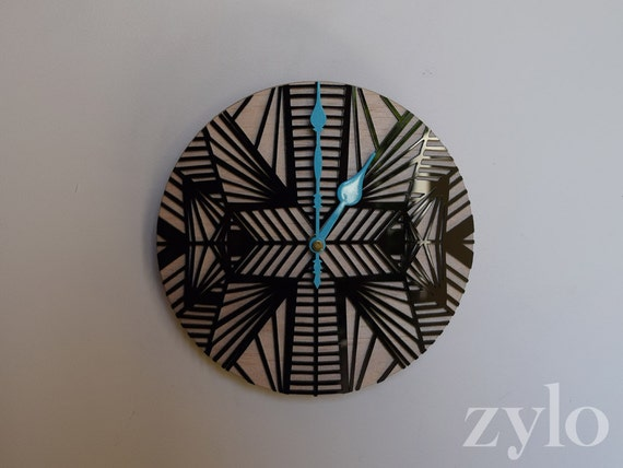 Zylo Clock Traditional Mini