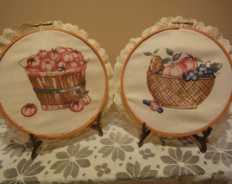 Handmade Pictures on a Vintage Embroidery Wood Hoop/Country Kitchen/Vintage Kitchen/Apple Pictures/Craft/Embroidery