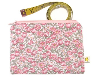 Zippered pouch pink flowers