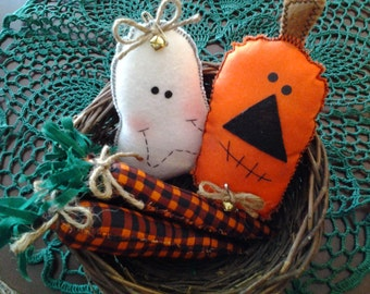 Adorable primitive Halloween bowl fillers, pintucks, shelf sitter, Halloween ornaments