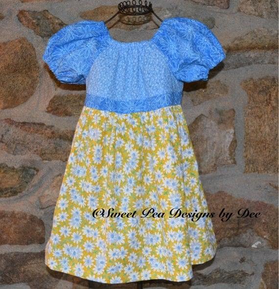 Baby girl Daisy dress, baby girl peasant dress, blue, yellow Daisy dress, birthday dress, short sleeve dress, baby shower gift,