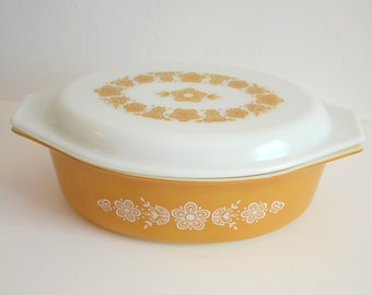 Pyrex Gold Butterfly and Daisy Covered Casserole 045