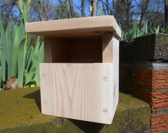 Raw Cedar Carolina Wren Nesting Box / Birdhouse