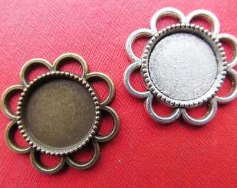 Sunflower Pendant Tray, Bezel Setting, 14mm  Round Cabochon Tray - Antique Silver tone/Antique Bronze