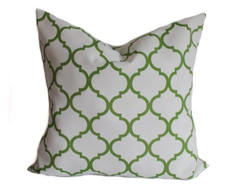Outdoor pillow cover, 18x18, Green outdoor pillow, Outdoor throw pillow, Decorative pillow, Outdoor cushion, Accent pillow, Porch pillow
