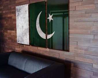 Triptych Pakistan Flag hanging Rustic Worn Metal Wall Art Grunge
