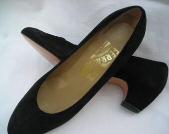 Vintage Salvatore Ferragamo size 6-1/2 AA suede slip ons have a great little 1-1/2 (3.8 cm) heel.