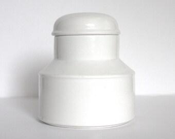 Stonehenge Midwinter White Covered Sugar Bowl