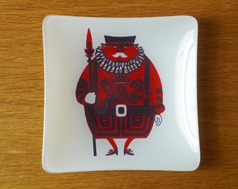 Retro Chance Glass Beefeater Dish; Kenneth Townsend 'Sights of London' 1970s Bowl; Vintage Red & White Cartoon Character