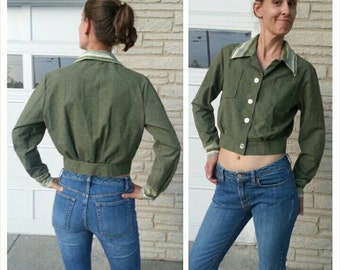 """size S/M vintage 70s crop top blouse jacket striped big collar and cuffs / military green OD / 31""""/79cm waist / Industrial hip Urban MidMod"""